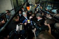 18 DEC 2008, BERLIN/GERMANY:<br /> Joschka Fischer, B90/gruene, Bundesminister a.D., im Gespraech mit Journalisten, waehrend einer Vernehmungspause, 1. Untersuchungsausschuss des Deutschen Bundestags, sog. BND-Auschuss, Anhoerungssaal, Marie-Elisabeth-Lueders-Haus, Deutscher Bundestag<br /> IMAGE: 20081218-01-057<br /> KEYWORDS: Mikrofon, microphone, Kamera, Camera