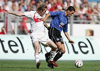 Fotball, 11. september 2004, Bundeliga,  VfB Stuttgart - Hamburger SV v.l. Aliaksandr Hleb, Khalib Boulahrouz