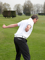 VIJFHUIZEN - Warming Up instructie voor Golfers Magazine met Bas vd Steur (NGF). FOTO KOEN SUYK
