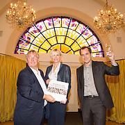 NLD/Heemstede/20151116 - Boekpresentatie De Zin van het Leven, psycholoog Bram Bakker, Anita Witzier en Karel Hille