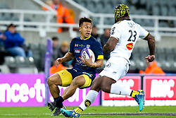 Tim Nanai-Williams of ASM Clermont Auvergne takes Botia Veivuke of La Rochelle - Mandatory by-line: Robbie Stephenson/JMP - 10/05/2019 - RUGBY - St James' Park - Newcastle, England - ASM Clermont Auvergne v La Rochelle - European Rugby Challenge Cup Final