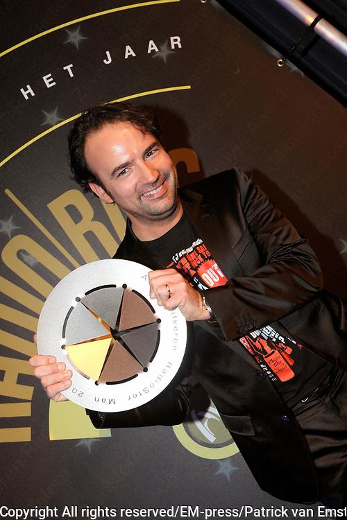 AVRO Radiogala 2011 in het Stadhuis van Hilversum.<br /> <br /> Op de foto:  Gerard Ekdom heeft bij de heren de AVRO Zilveren Radioster 2011 gewonnen.