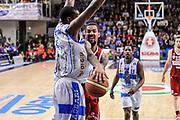 DESCRIZIONE : Campionato 2014/15 Dinamo Banco di Sardegna Sassari - Openjobmetis Varese<br /> GIOCATORE : Eric Maynor<br /> CATEGORIA : Passaggio Penetrazione<br /> SQUADRA : Openjobmetis Varese<br /> EVENTO : LegaBasket Serie A Beko 2014/2015<br /> GARA : Dinamo Banco di Sardegna Sassari - Openjobmetis Varese<br /> DATA : 19/04/2015<br /> SPORT : Pallacanestro <br /> AUTORE : Agenzia Ciamillo-Castoria/L.Canu<br /> Predefinita :