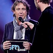 NLD/Amsterdam/20100415 - Uitreiking 3FM Awards 2010, Marco Borsato met Giel Beelen en Sander Lantinga