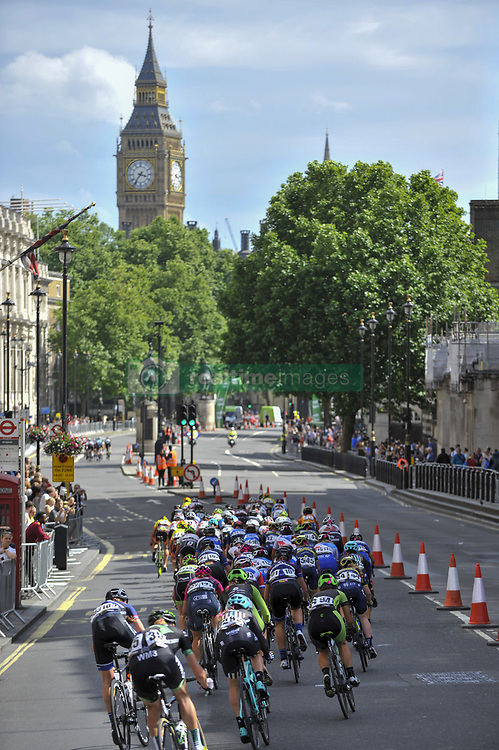 June 11, 2017 - London, UK - London, UK. Riders take part in the 62km London stage of the OVO Energy Women's Tour. (Credit Image: © Stephen Chung/London News Pictures via ZUMA Wire)
