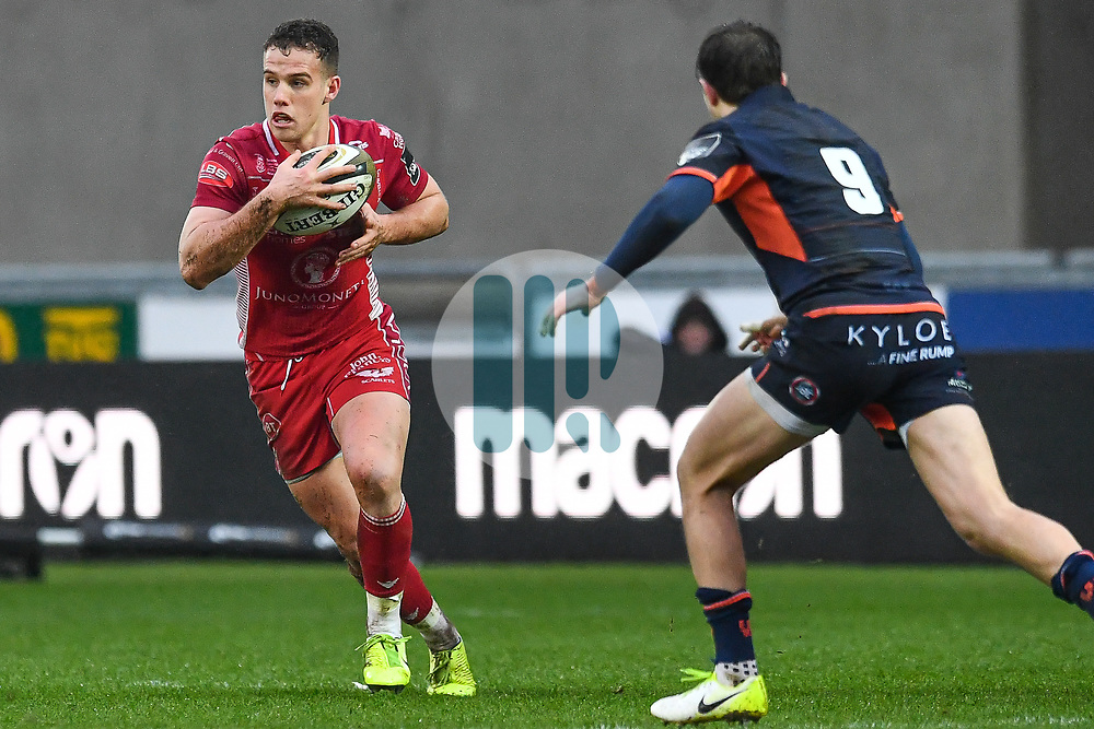 Kieran Hardy of Scarlets in action during todays match<br /> <br /> Photographer Craig Thomas/Replay Images<br /> <br /> Guinness PRO14 Round 11 - Scarlets v Edinburgh - Saturday 15th February 2020 - Parc y Scarlets - Llanelli<br /> <br /> World Copyright © Replay Images . All rights reserved. info@replayimages.co.uk - http://replayimages.co.uk