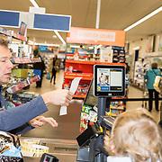 NLD/Hiuizen/20190108 - '1 Minuut gratis winkelen met Radio 538', Henk Blok rekent af met een winnares