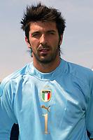 Coverciano 27/5/2004 Ritiro della nazionale italiana in vista degli Europei 2004 in Portogallo. <br />Gianluigi Buffon, Italy, goalkeeper.<br />Foto Andrea Staccioli Graffiti