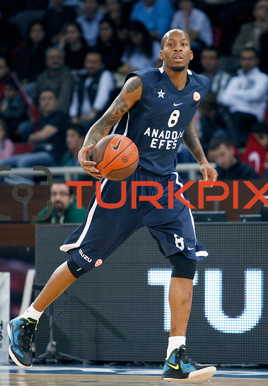 Anadolu Efes's Terence KINSEY during their Turkish Airlines Euroleague Basketball Group C Game 2 match Anadolu Efes between Belgacom Spirou  at Abdi Ipekci Arena in Istanbul, Turkey, Wednesday, October 26, 2011. Photo by TURKPIX