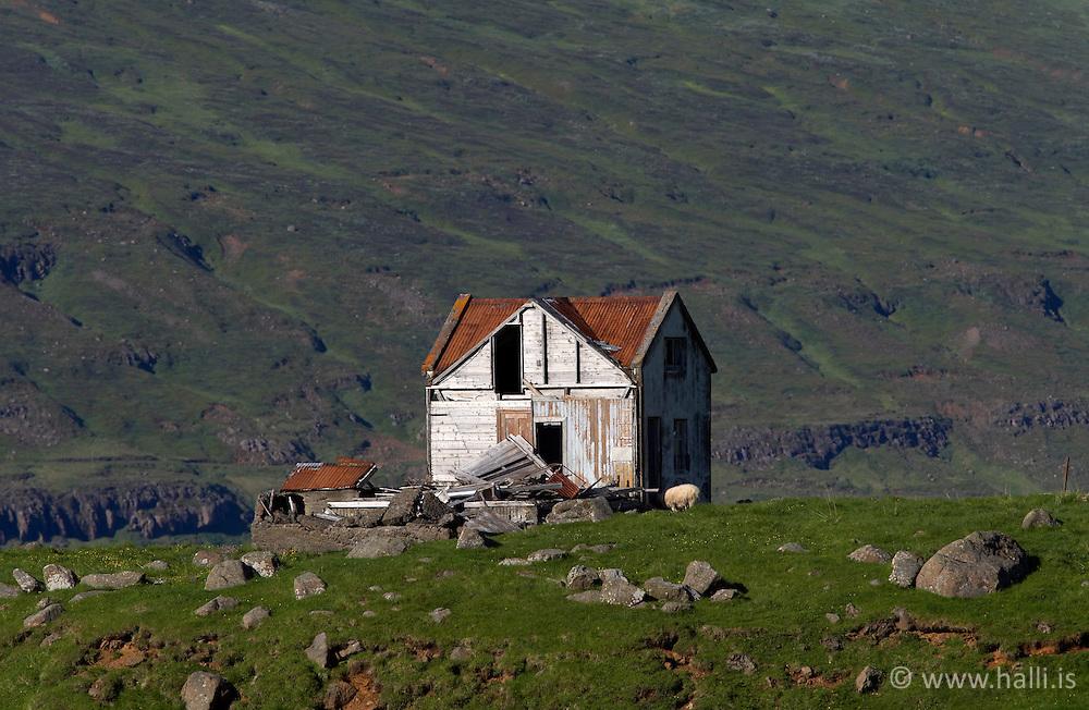 Eyðibýli við Seyðisfjörð / Deserted farm in Seydisfjordur
