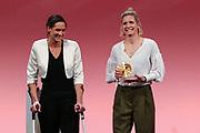 Sport Allgemein: Hamburger Sportgala 2017, Hamburg, 13.12.2017<br /> Mannschaft des Jahres (v.l.) : Kira Walkenhorst und Laura Ludwig (Beachvolleyball) <br /> © Torsten Helmke