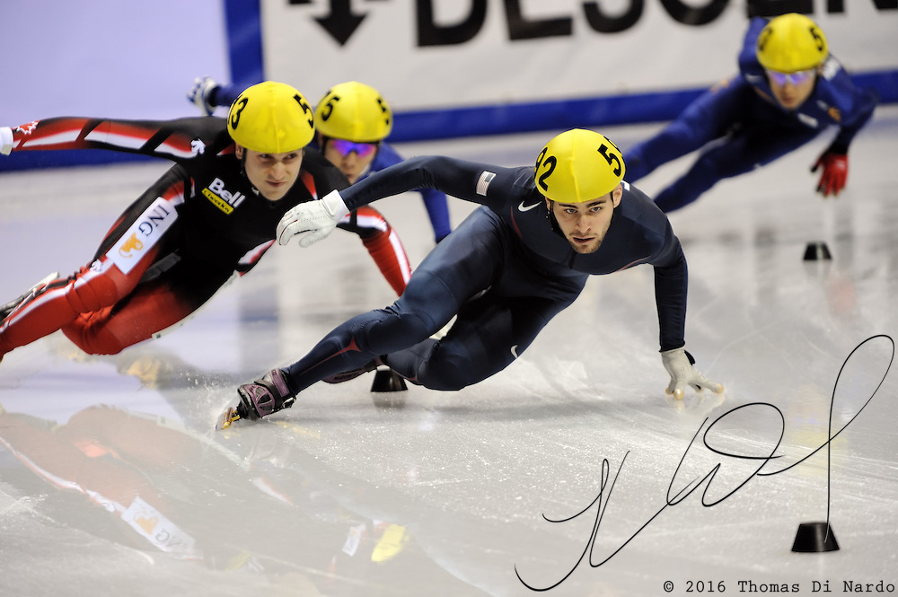 2008 World Cup Short Track - Vancouver - Jeff Simon (USA) leads the 500m Men's A Final.