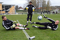 Fotball Tippeligaen Rosenborg trening 03.05.05<br /> <br /> Keepertrening med Ivar Rønningen, Jørn Jamtfall og Espen Johnsen<br /> Foto: Carl-Erik Eriksson, Digitalsport