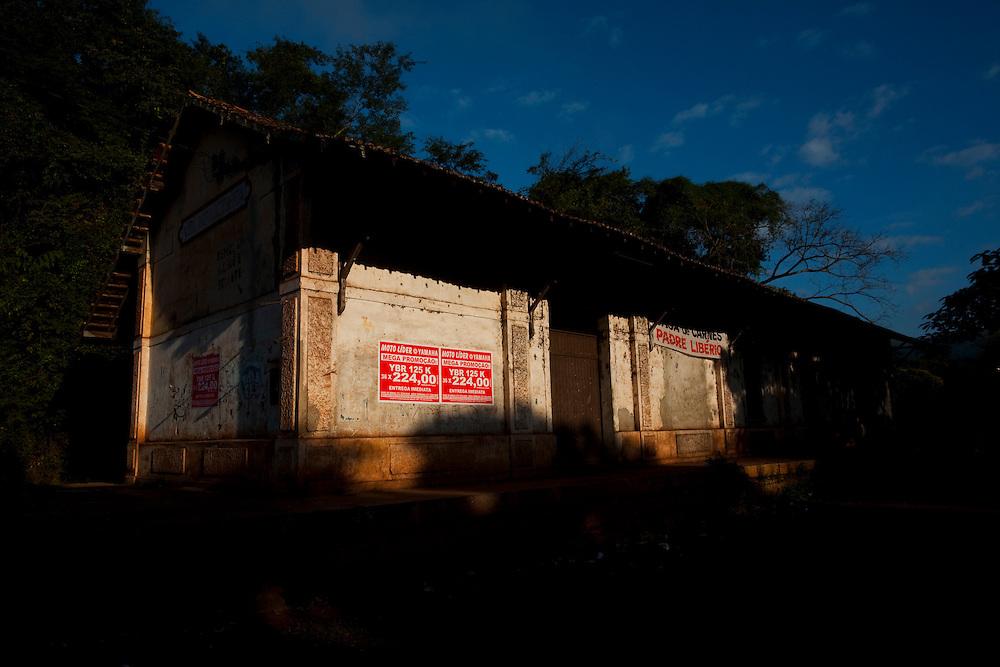 Conceicao do Para_MG, Brasil...Estacao ferroviaria desativada em Conceicao do Para, Minas Gerais...Disabled train station in Conceicao do Para, Minas Gerais...Foto: LEO DRUMOND / NITRO