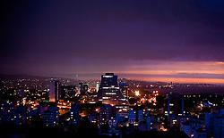 Vista aérea do Centro Administrativo da cidade de Porto Alegre ao anoitecer. FOTO: Lucas Uebel / Preview.com