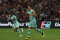 2018?7?28?.??????——?????????????????????????..7?28????????Mesut Ozil?10????????????????????????????.???? ??????..Arsenal player Mesut Ozil (No 10, R) celebrates after scoring in the International Champions Cup match between Arsenal and Paris Saint-Germain held in Singapore's National Stadium on Jul 28, 2018..By Xinhua, Then Chih Wey..??????????2018?7?28? (Credit Image: © Then Chih Wey/Xinhua via ZUMA Wire)
