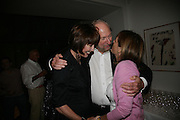 Carol Ryan, Ed Victor and Lady Rogers, Party hosted by Sir Richard and Lady Ruth Rogers at their house in Chelsea  to celebrate the extraordinary achievement of completing this year's Pavilion  by Olafur Eliasson and Kjetil Thorsenat at the Serpentine.  13 September 2007. -DO NOT ARCHIVE-© Copyright Photograph by Dafydd Jones. 248 Clapham Rd. London SW9 0PZ. Tel 0207 820 0771. www.dafjones.com.
