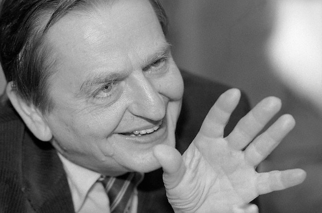 March 1983, Stockholm, Sweden --- A portrait of Prime Minister Olof Palme as he explains his plan for an alliance of neutral countries to balance against the two super-powers. Stockholm, Sweden. --- Image by © Leif Skoogfors