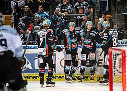 21.02.2020, Keine Sorgen Eisarena, Linz, AUT, EBEL, EHC Liwest Black Wings Linz vs Dornbirn Bulldogs, Zwischenrunde, 7. Qualifikationsrunde, im Bild v.l. Brian Lebler (EHC Liwest Black Wings Linz), Matt Finn (EHC Liwest Black Wings Linz), Rick Schofield (EHC Liwest Black Wings Linz), Dragan Umicevic (EHC Liwest Black Wings Linz), feiern das Tor zum 3 zu 2 // during the Erste Bank Eishockey League Intermediate round, 7th qualifying round match between EHC Liwest Black Wings Linz and Dornbirn Bulldogs at the Keine Sorgen Eisarena in Linz, Austria on 2020/02/21. EXPA Pictures © 2020, PhotoCredit: EXPA/ Reinhard Eisenbauer