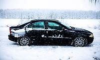 Puszcza Knyszynska, 25.01.2021. Obfite opady sniegu i znaczy spadek temperatury na Podlasiu. N/z osniezony samochod fot Michal Kosc / AGENCJA WSCHOD