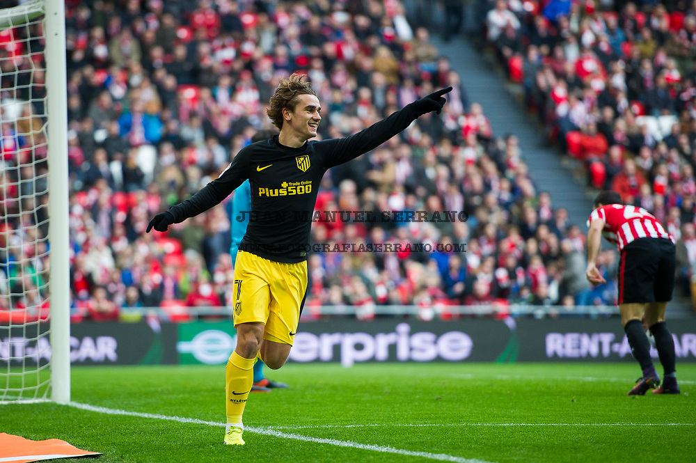 BILBAO, SPAIN - JANUARY 22:  Antoine Griezmann of Atletico Madrid celebrates after scoring goal during the La Liga match between Athletic Club Bilbao and Atletico Madrid at San Mames Stadium on January 22, 2017 in Bilbao, Spain.  (Photo by Juan Manuel Serrano Arce/Getty Images)