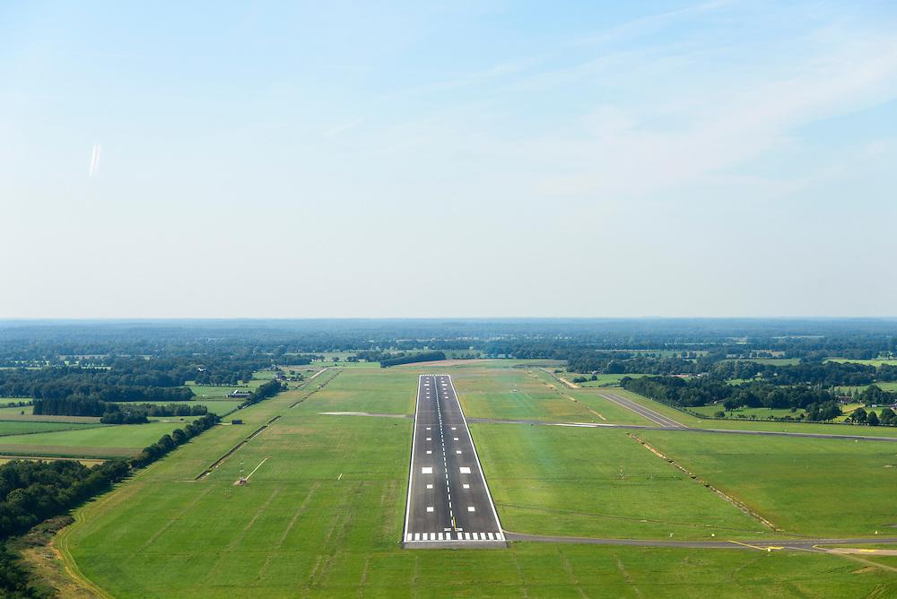 Nederland, Groningen, Gemeente Tynaarlo, 27-08-2013; Groningen Airport Eelde, runway 05-23. De verlengde startbaan / landingsbaan. <br /> luchtfoto (toeslag op standard tarieven);<br /> aerial photo (additional fee required);<br /> copyright foto/photo Siebe Swart