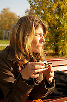 Birgit eating oysters