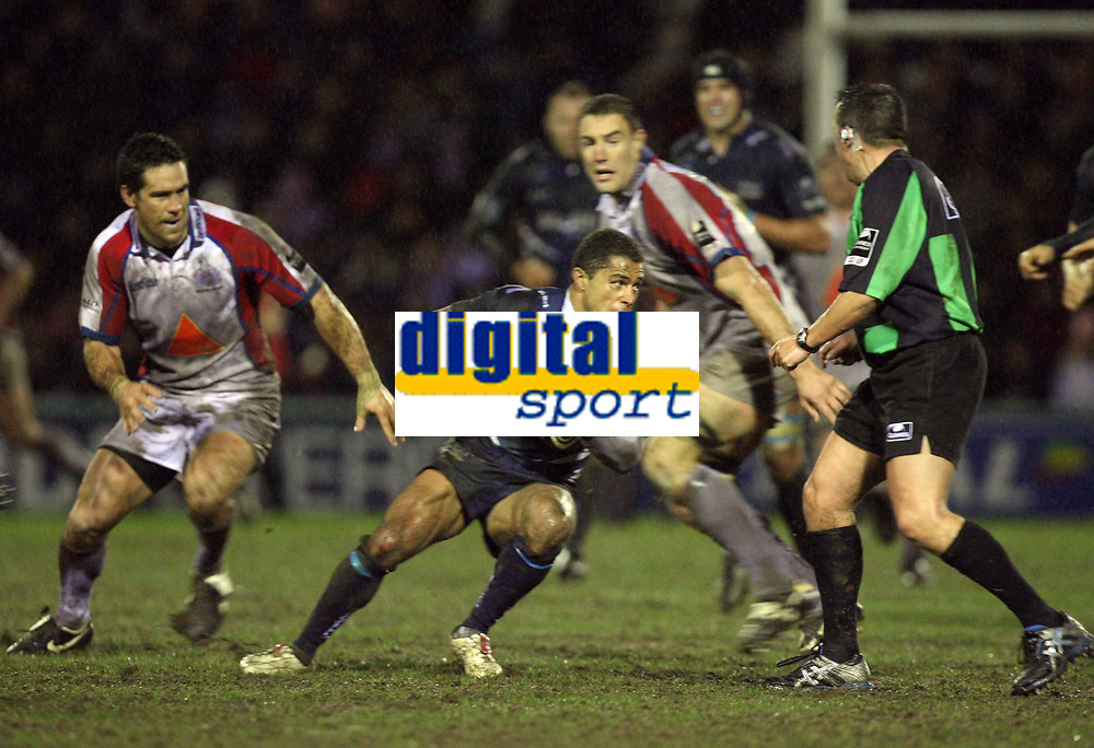 Photo: Rich Eaton.<br /> <br /> Sale Sharks v Bristol Rugby. Guinness Premiership. 01/01/2007. Jason Robinson centre of Sale finds noway through as his team lose at home to Bristol