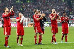 06.11.2011, SGL Arena, Augsburg, GER, 1.FBL, FC Augsburg vs. FC Bayern Muenchen, im Bild  Die Bayern bedanken sich bei den mitgereisten Fans // during the match  FC Augsburg vs. FC Bayern Muenchen , on 2011/11/06, SGL Arena, Augsburg, Germany, EXPA Pictures © 2011, PhotoCredit: EXPA/ nph/  Straubmeier       ****** out of GER / CRO  / BEL ******