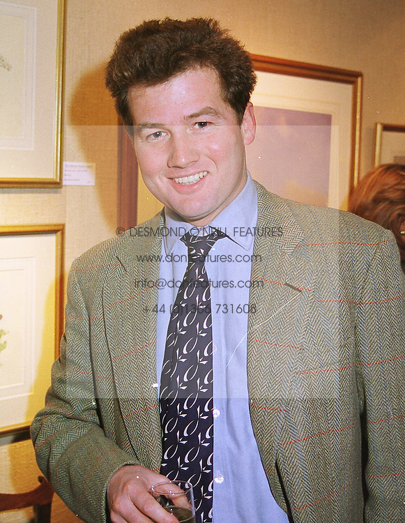 SIR TIM ACKROYD at an exhibition in London on 13th April 1999.MPZ 22