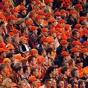 NLD/Amsterdam/20051112 - Voetbal, vriendschappelijke wedstrijd Nederland - Italie, fans, toeschouwers op de tribune in oranje kleding