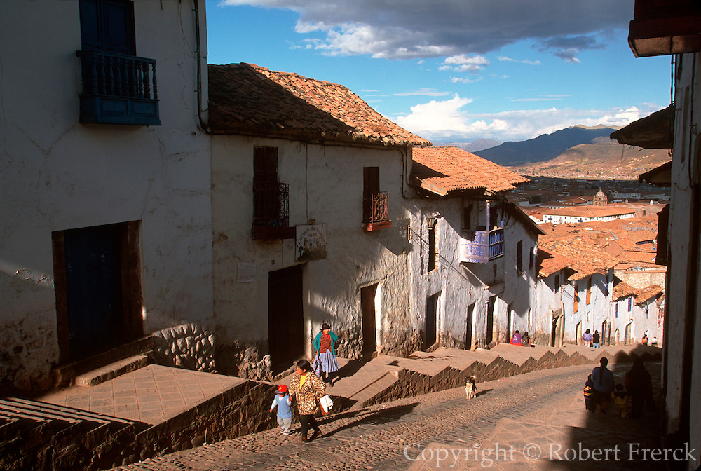PERU, HIGHLANDS, CUZCO homes on steep hills around Cuzco