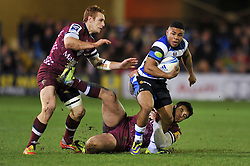 Kyle Eastmond (Bath) goes on the attack - Photo mandatory by-line: Patrick Khachfe/JMP - Tel: Mobile: 07966 386802 16/01/2014 - SPORT - RUGBY UNION -  The Recreation Ground, Bath - Bath Rugby v Bordeaux-Begles - Amlin Challenge Cup.