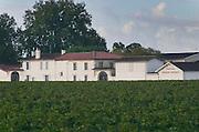 Vineyard. Winery building. Chateau Rauzan Gassies. Margaux.