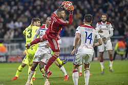 February 19, 2019 - Lyon, França - LYON, LY - 19.02.2019: LYON X BARCELONA - Defense of Lopes, goalkeeper of Lyon during the game between Lyon and Barcelona held at Parc Olympique Lyonnais in Lyon. The match is valid for the octaves of the Champions League 2018/2019. (Credit Image: © Richard Callis/Fotoarena via ZUMA Press)