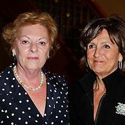 NLD/Amsterdam/20120304 - Modeshow voorjaar 2012 Paul Schulten, zus Neelie Kroes en Sylvia Toth