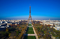 France, Paris (75), zone classée Patrimoine Mondial de l'UNESCO, le Champs de Mars et la Tour Eiffel // France, Paris (75), area listed as World Heritage by UNESCO, the Champs de Mars and the Eiffel Tower