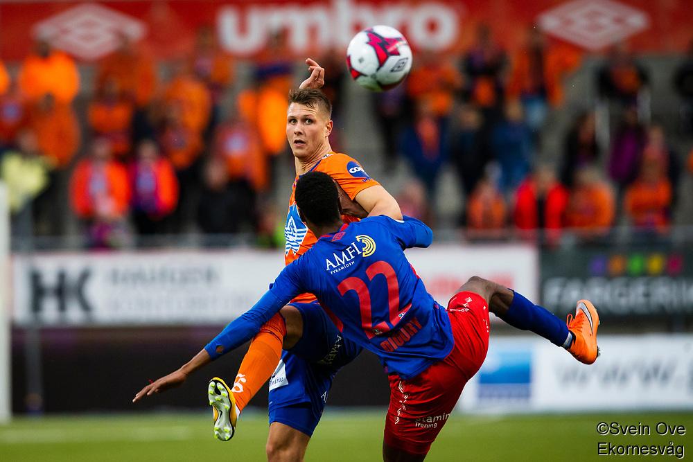 1. divisjon fotball 2018: Aalesund - Tromsdalen. Aalesunds Holmbert Fridjonsson (bak) og Mehdi Dioury i førstedivisjonskampen i fotball mellom Aalesund og Tromsdalen på Color Line Stadion.