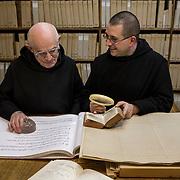 Monks working in the paleography workshop. 09-01-16<br /> Séance de travail à l'atelier de paléographie musicale. 09-01-16