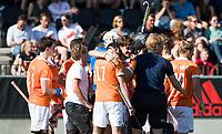 AMSTELVEEN  - Hockey -  1e wedstrijd halve finale Play Offs dames.  Amsterdam-Bloemendaal (5-5), Bl'daal wint na shoot outs.  Xavi Lleonart Blanco (Bldaal) en Florian Fuchs (Bldaal)  COPYRIGHT KOEN SUYK