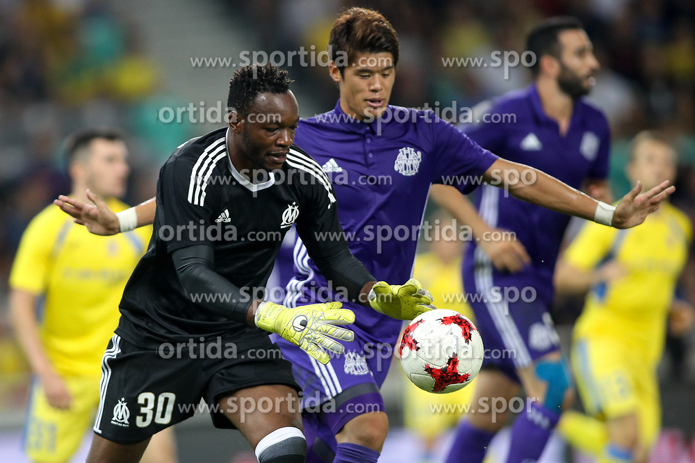 Steve Mandanda of Olympic Marseille and Hiroki Sakai of Olympic Marseille during football match between NK Domzale and Olympique de Marseille in First game of UEFA Europa League playoff round, on August 17, 2017 in SRC Stozice, Ljubljana, Slovenia. Photo by Morgan Kristan / Sportida