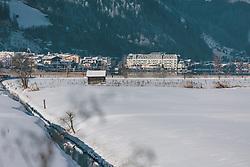 THEMENBILD - das Naturschutzgebiet im Zeller Schilf. Im Hintergrund der Zeller See und das Grandhotel, aufgenommen am 06. Februar 2020 in Zell am See, Oesterreich // the nature reserve in the Zell Reed. In the background the Zeller See and the Grandhotel, in Zell am See, Austria on 2020/02/06. EXPA Pictures © 2020, PhotoCredit: EXPA/Stefanie Oberhauser