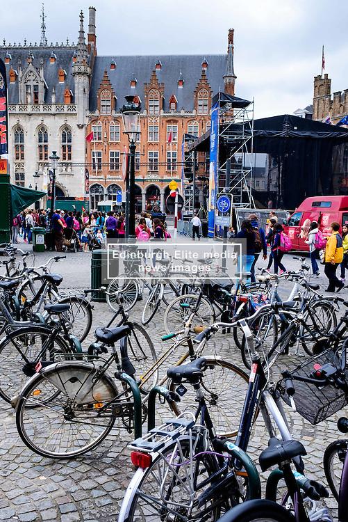 Bicycles parked in the Grote Markt, Bruges, Belgium<br /> <br /> (c) Andrew Wilson   Edinburgh Elite media