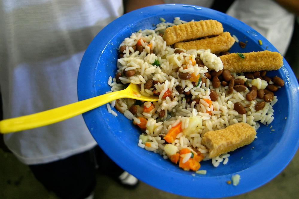 Sao Paulo_SP, Brasil...Detalhe da merenda da Escola Estadual Brigadeiro Gaviao Peixoto...Detail of the school lunch of the State School Brigadeiro Gaviao Peixoto...Foto: LEO DRUMOND / NITRO