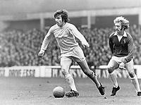 Fotball<br /> England <br /> Foto: Colorsport/Digitalsport<br /> NORWAY ONLY<br /> <br /> Peter Lorimer - Leeds United/Scotland. With John Connolly (Everton). Everton v Leeds United, 1972/73