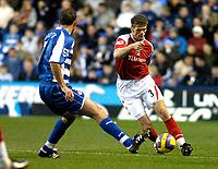Photo: Gareth Davies.<br />Reading v Charlton Athletic. The Barclays Premiership. 18/11/2006.<br />Charlton defender Hermann Hreidarsson (R) tries to take the ball past Reading winger Glen Little.