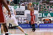 DESCRIZIONE : Campionato 2013/14 Finale GARA 4 Montepaschi Mens Sana Siena - Olimpia EA7 Emporio Armani Milano<br /> GIOCATORE : Curtis Jerrells<br /> CATEGORIA : Tiro Tre Punti<br /> SQUADRA : Olimpia EA7 Emporio Armani Milano<br /> EVENTO : LegaBasket Serie A Beko Playoff 2013/2014<br /> GARA : Montepaschi Mens Sana Siena - Olimpia EA7 Emporio Armani Milano<br /> DATA : 21/06/2014<br /> SPORT : Pallacanestro <br /> AUTORE : Agenzia Ciamillo-Castoria / Claudio Atzori<br /> Galleria : LegaBasket Serie A Beko Playoff 2013/2014<br /> Fotonotizia : DESCRIZIONE : Campionato 2013/14 Finale GARA 4 Montepaschi Mens Sana Siena - Olimpia EA7 Emporio Armani Milano<br /> Predefinita :
