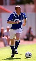 Steve Watson (Everton) Exeter City v Everton, Pre-Season Friendly, 5/08/2000. Credit: Colorsport / Matthew Impey