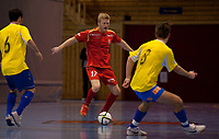 Futsal<br /> 08.01.11<br /> Eliteserien<br /> Framohallen<br /> Solør - Fyllingsdalen 4 - 5<br /> Thomas Ulvestad (L) og Sivert Lund (R) , Fyllingsdalen<br /> Bjørn Viljugrein (M) , Solør<br /> Foto : Astrid M. Nordhaug