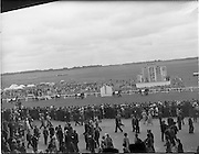 30/06/1962 <br /> 06/30/1962<br /> 30 June 1962<br /> Irish Sweeps Derby at the Curragh Racecourse, Co. Kildare. general view of the  parade in front of the reserved enclosure for the Derby. The horses were shown and mounted on the course.